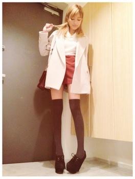 ローラ 私服 画像.jpg